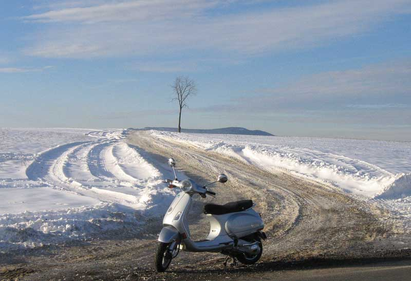 Vespa LX 150 in winter at Seven Stars, Pennsylvania