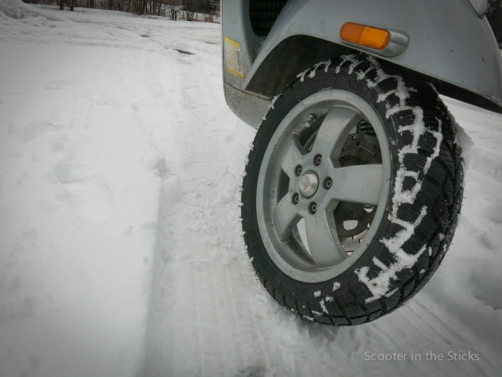 Heidenau K66 LT Snow Tex scooter tire in snow