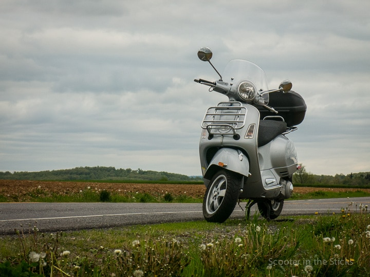 Vespa GTS 250ie scooter