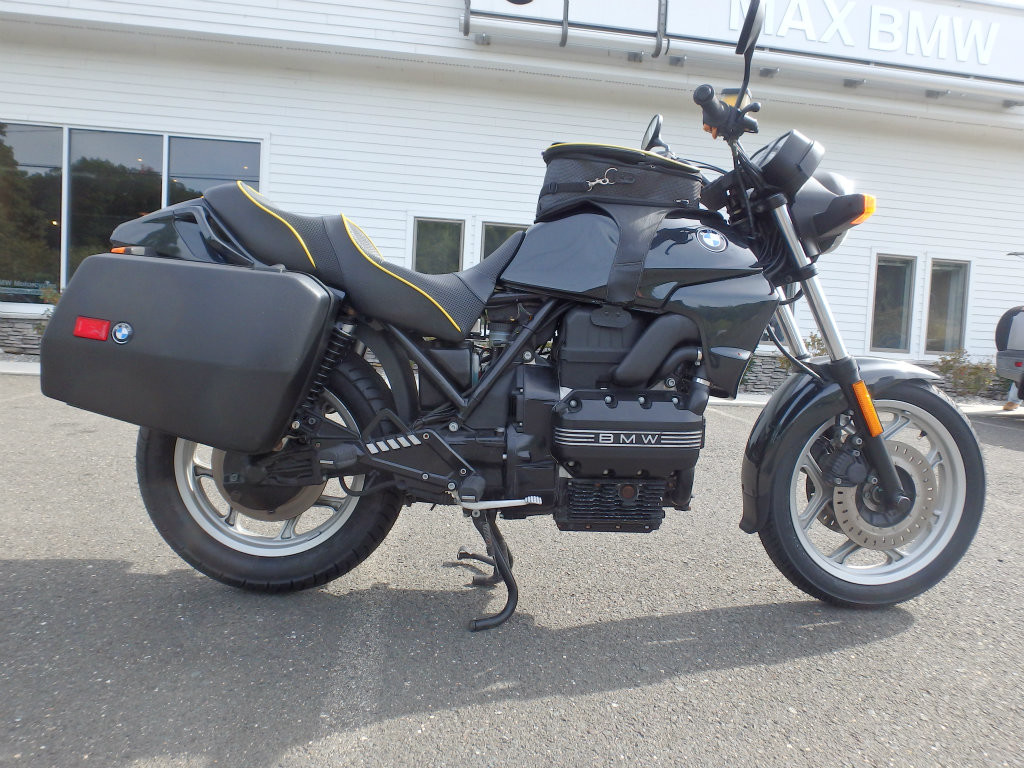 1992 BMW K75 motorcycle