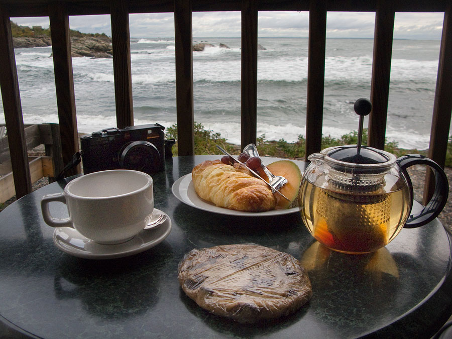 breakfast in cafe at Perkins Cove, Maine