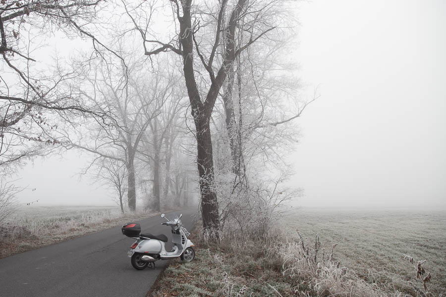 Riding in frozen fog with the Vespa GTS scooter