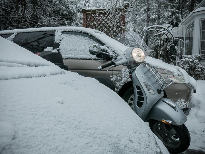 Vespa snow